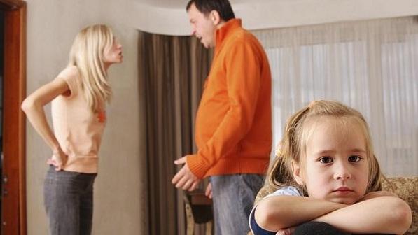 briga em frente filha
