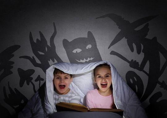 criança medo bruxa